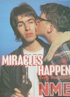 Liam Gallagher (Oasis) and Graham Coxon (Blur), NME. Damon Albarn, Noel Gallagher, Oasis, Blur Band, Liam And Noel, Graham Coxon, Rock Y Metal, Concert Looks, Primal Scream