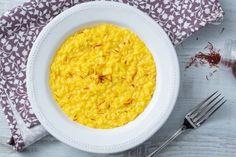 Il risotto allo zafferano è un primo piatto semplice e saporito, caratterizzato da un gusto e un colore unici e inconfondibili! Risotto Milanese, Italy Food, Quinoa, Carne, Macaroni And Cheese, Meal Planning, Dinner Recipes, Yummy Recipes, Veggies