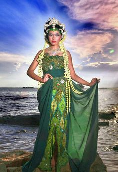 #ilustrasi#Nyi_Roro_Kidul #Roro_Kidul #Ratu_Kidul #Ratu #Laut_Selatan #History #Legenda #Art #Lukisan #Mistyc #Magis #Indonesia #Culture #Queen #DEC #DEC_Gallerys #Roro_Kidul_DEC #Yokiza77 #Woman #Princes_Beach #Green #ilustration #Digital_Editing_Creativity Photo Action, Fantasy Art Women, Javanese, Poker Online, South Seas, Amazing Nature, Beautiful Landscapes, Female Art, Culture