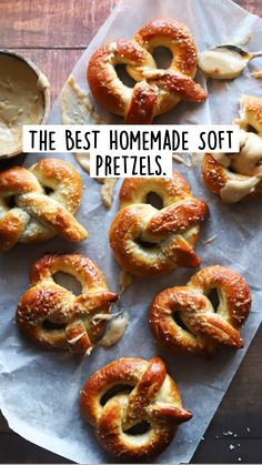 Appetizer Recipes, Snack Recipes, Appetizers, Yummy Snacks, Yummy Food, Biscuits, Homemade Soft Pretzels, Nigella, Bread Baking