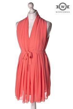 >> Piękna #morelowa #sukienka #Wzorcownia #online -   #CameoRose #dress