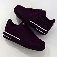 Women shoes With Jeans Street Styles - Comfortable Women shoes Winter - Women shoes Sneakers Nike - - Designer Women shoes Fashion Designers Hype Shoes, Women's Shoes, Me Too Shoes, Shoe Boots, Edgy Shoes, Usa Shoes, Nike Air Shoes, Sneakers Nike, Black Sneakers