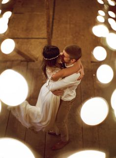 Ruffled – photo by http://www.laurenfairphotography.com/ – http://ruffledblog.com/stonebrook-farms-bohemian-wedding/