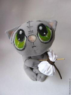 Sock Animals, Plush Animals, Sewing Art, Sewing Toys, Stuffed Animal Patterns, Diy Stuffed Animals, Crazy Toys, Plushie Patterns, Doll Painting