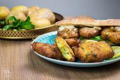 Maaqouda Pizza Snacks, Baked Potato, Food And Drink, Potatoes, Chicken, Dinner, Vegetables, Ethnic Recipes, Ramadan
