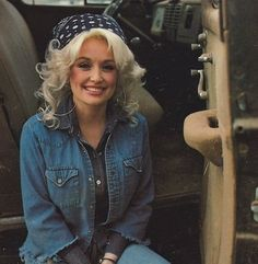 Dolly Parton..she is great. Makes me think of my g-ma telling me (in 2012) the last movie she saw in theater was 9 to 5!