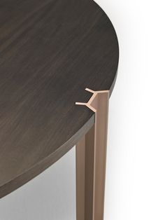 Crossing by Punt Mobles | Restaurant tables