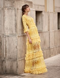 We have fallen in love with the gorgeous dresses from the Spring Summer 2018 collection of our talented and beloved designer Christos Costarellos! Chifon Dress, Look 2018, Yellow Fashion, Mellow Yellow, Look Chic, Couture Dresses, Stylish Dresses, Beautiful Dresses, Evening Dresses