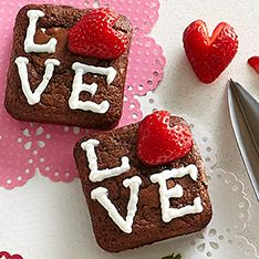 February is the month of love, so what's a better way to show someone what's in your heart than with heart-themed food? www.pamperedchef.biz/leslyesternpc
