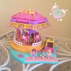 Polly pocket carousel. I had this exact same one when I was little <3