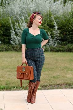 Autumn outfit - inspired cigarette pants and sweetheart neck top by Hell Bunny Pin Up Outfits, Casual Skirt Outfits, Fall Fashion Outfits, Dress Outfits, Dresses, Plaid Pants Outfit, Luanna Perez, Over The Knee Boot Outfit, Fall Plaid