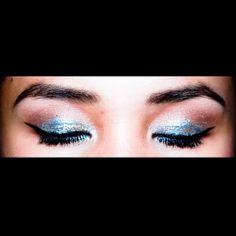 Sparkling eyeshadow