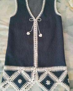 Fabulous Crochet a Little Black Crochet Dress Ideas. Georgeous Crochet a Little Black Crochet Dress Ideas. Gilet Crochet, Crochet Fabric, Crochet Jacket, Crochet Blouse, Love Crochet, Knit Crochet, Crochet Vests, Crochet Clothes, Diy Clothes
