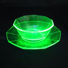 Popular items for vaseline glass on Etsy
