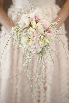 Bridal bouquet has taken a whole new trend.... Grace the beauty, simplicity and edginess of this bouquet....