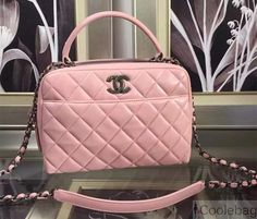CHANEL LAMBSKIN BOWLING BAG EMBELLISHED WITH A METALLIC PLATE PINK