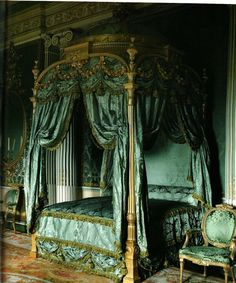 The Harewood House, Chippendale Bed. Humphries Weaving recreated silk damask bed drapes, silk lute and tammy linings for the restoration of the Chippendale state bed. Bed Drapes, Canopy Beds, Canopies, Chateau Hotel, Harewood House, Damask Bedding, Green Bedding, Bedroom Green, Royal Bedroom