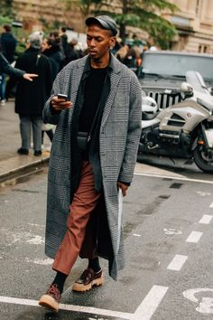 As the fashion marathon enters week two, here are our favorite looks from Paris, from extra-chunky sneakers to extremely touchable topcoats.