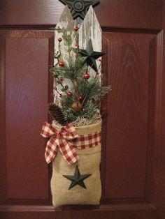 Prim Christmas Decor❤️