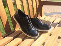 Caiman Black Lace-Up  -Crafted from pure polished leather -Convenient anatomic last -Captivating Design -Long lasting out-sole and colour  💛 Only £26.70  Worldwide Shipping Free Delivery in Europe  Men`s Shoes Shopping Hub - HOUSELEVIN now on Instagram and Facebook 😏  Product Code:TR1026  #mensfashion #onlineshopping #instashoes