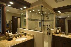 Idee für den Landhausstil im Badezimmer mit Eckdusche