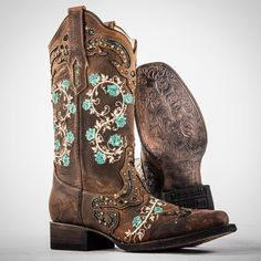 Corral square toe embroidered boots. See this Instagram photo by @countryoutfitter • 4,506 likes