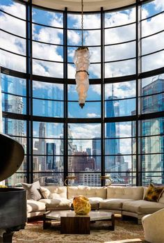 SoHos Sullivan Building Is Home To a Luxurious Penthouse Luxury Homes Interior, Luxury Home Decor, Interior Exterior, Home Interior Design, Interior Architecture, New York Penthouse, Luxury Penthouse, Appartement New York, Design Apartment