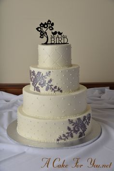 Wedding cake by A Cake for You made withe the Bird with Blossoms Silicone Onlay