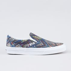 Vans slip-on kengät. Vans Slip On, Vans Classic Slip On, Sneakers, Clothes, Shoes, Fashion, Tennis, Outfits, Moda