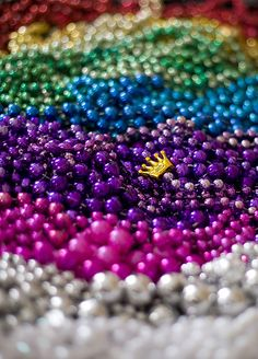 Happy Mardi Gras, you could buy beads and spray paint whatever color u wish and lay on the table for color Mardi Gras Beads, Mardi Gras Party, New Orleans Mardi Gras, Fru Fru, Good Times Roll, Down South, Over The Rainbow, Masquerade, Carnival