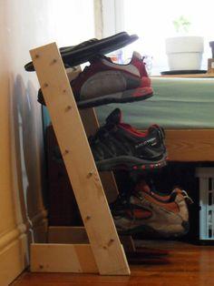 Schuhe aufbewahren schwebende Treppen Turm Ablage                              …