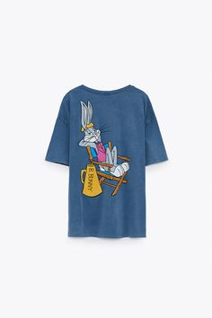 Looney Tunes, Retro Outfits, Kids Outfits, School Outfits, Blusas Oversized, Bleaching Clothes, Bugs Bunny, Disney Style, Warner Bros