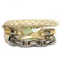 Designerschmuck| Designer Schmuck online bestellen-Wickelarmband aus Nappa-Leder in Cremeweiß geflochten und Antik-Silber mit Swarovski Kristall