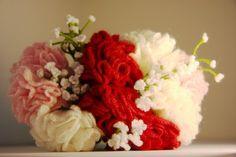 Crochet Carnation bouquet, via Etsy shop suili