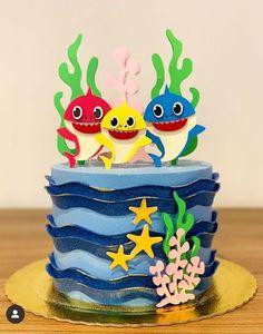 No photo description available. Baby Cakes, Cupcake Cakes, Shark Birthday Cakes, Dinosaur Birthday, Paper Cake, Cake Art, Cake Background, Shark Cake, Shark Party