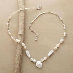 NOUVELLE PEARL NECKLACE