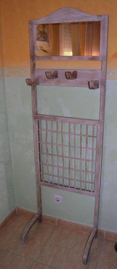 Colgador y espejo #madera #mueble #rustico #cosas #artesanal #diseño #interior #decoracion #wood