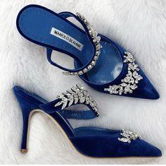 manolo blahnik wedding shoes Richard Beckerman on . Bridal Shoes, Wedding Shoes, Gown Wedding, Lace Wedding, Wedding Dresses, Cute Shoes, Me Too Shoes, Manolo Blahnik Heels, Manolo Blahnik Shoes Wedding
