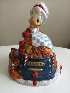 Fyrklövern disney Farmor Anka kakburk, OBS: skadad Ducks, Donald Duck, Disney, Holidays, Cake, Desserts, Christmas, Food, Characters