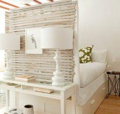 Kunstvolle Einzimmerwohnung - Harmonie in einem Brookliner Apartment. Man kann auch in einer sehr kleinen Einzimmerwohnung wohnen, ohne sich eingeengt zu ..