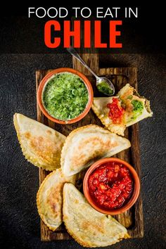 Wondering what to eat in Chile? Sure Peruvian food is popular but Chilean food is just as delicious. Here are 30 Chilean dishes that are healthy, easy to make and will get you on a plane! Don't miss these is you're planning to travel to Chile. Chilean Recipes, Chilean Food, Pollo Thai, Peruvian Recipes, Peruvian Cuisine, Salsa Picante, Latin Food, Foods To Eat, Different Recipes