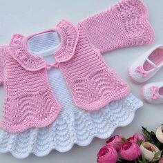 Crochet Dress Girl, Baby Girl Crochet, Crochet Baby Booties, Crochet For Kids, Crochet Baby Sweaters, Knitted Baby Clothes, Knitted Romper, Crochet Baby Dress Pattern, Baby Cardigan Knitting Pattern