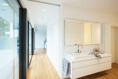 Interieur - Engelshove Bauhaus, Corner Bathtub, Bungalow, Mirror, Bathroom, Frame, Design, Furniture, Website