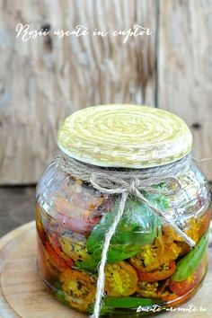 Roşii uscate în cuptor | Bucate Aromate Canning Pickles, Celery, Cooking Recipes, Vegetables, Pantry, Sauces, Food, Canning, Romanian Recipes