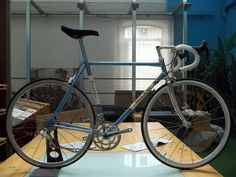 Hand built bicycles and fixies. Vintage style bicycles. Replica.