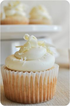 white chocolate & marshmallow filled vanilla bean cupcake, topped with white chocolate buttercream. My two favorite flavors mixed into one cupcake.