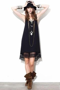 Simple dress, tons of accessories, hat