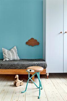Kids bedroom with blue wall. COMPANION - A thinking chair - Cute and Kids Thinking Chair, Kids Bedroom, Bedroom Decor, Casa Kids, Deco Kids, Kids Decor, Home Decor, Deco Design, Fashion Room