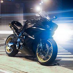 Yamaha R1 Photo: @ivanporcalla Hashtag #2WP on your pics for a chance to be featured #motorbike #motorcycle #sportsbike #yamaha #honda #suzuki #kawasaki #ducati #triumph #victory #buell #aprilia #harleydavidson #r1 #r6 #cbr #gsxr #fireblade #hayabusa #zx10r #bmw #s1000rr #photography #ktm #bikelife #Twowheelpassion