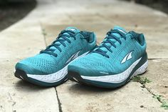 West Coast Meghan reviews the max-cushion Altra Paradigm 4.5, a comfortable stability shoe featuring Altra's zero-drop platform. Altra Zero Drop, Calf Strain, Brooks Launch, Tired Feet, Easy Day, Sleek Look, How To Run Faster, Stability